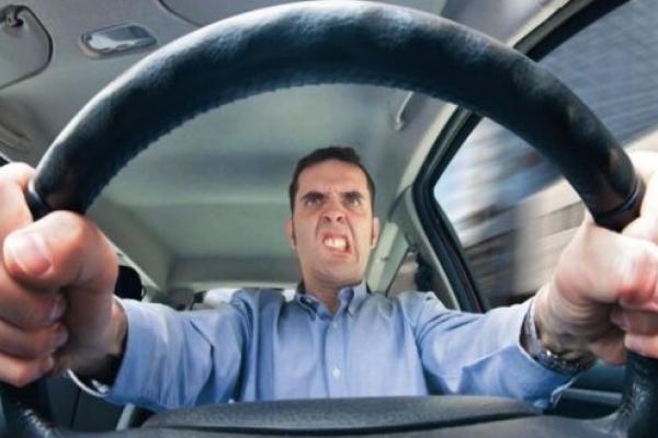 У Рівному водій маршрутки обматюкав пасажирку (Відео)
