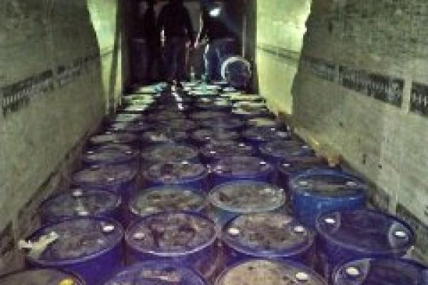 Суд наклав арешт на 116 бочок контрафактного спирту