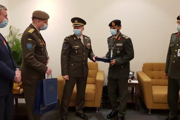 Командувач Сухопутних військ ЗСУ зустрівся з командувачем Сухопутних військ ЗС Об'єднаних Арабських Еміратів
