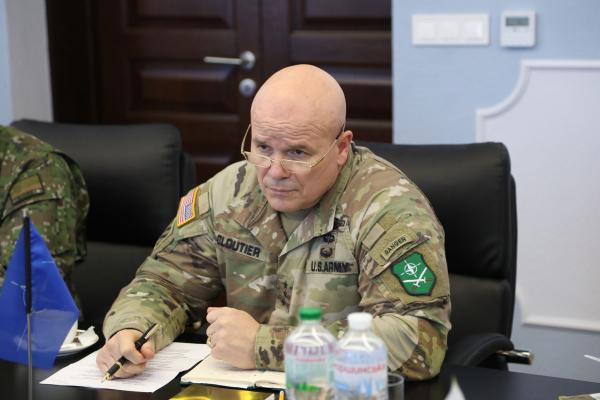 Сухопутні війська Збройних Сил України мають бути взаємосумісними зі збройними силами держав-членів Альянсу