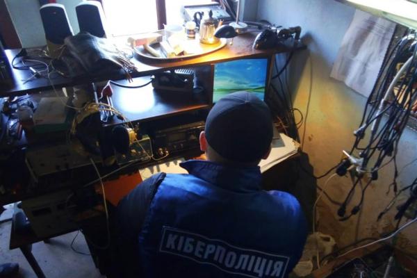 У Здолбунові виявили офіс, звідки велась незаконна трансляція загальнонаціональних каналів