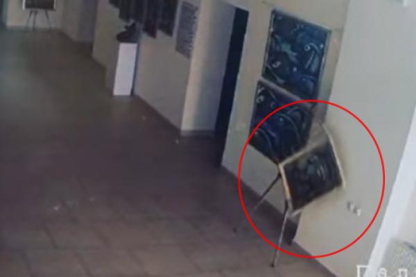 Вмикалося світло та падали картини: в університеті на Рівненщині «розгулялися» привиди? (Відео)