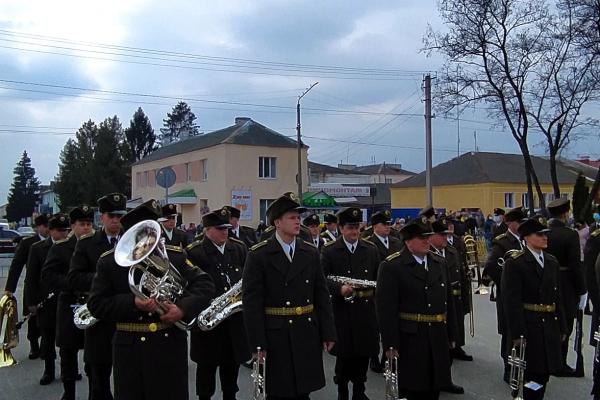 Рівненщина провела в останню путь свого героя Максима Абрамовича