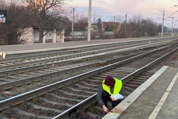 На Рівненщині потяг відрізав чоловіку обидві ноги