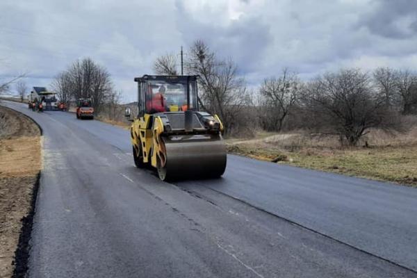 Ремонт дороги Рівне-Хотин - 80% готовності