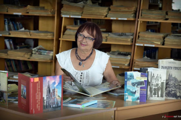 Відома рівненська краєзнавиця отримала премію імені Свєшнікова