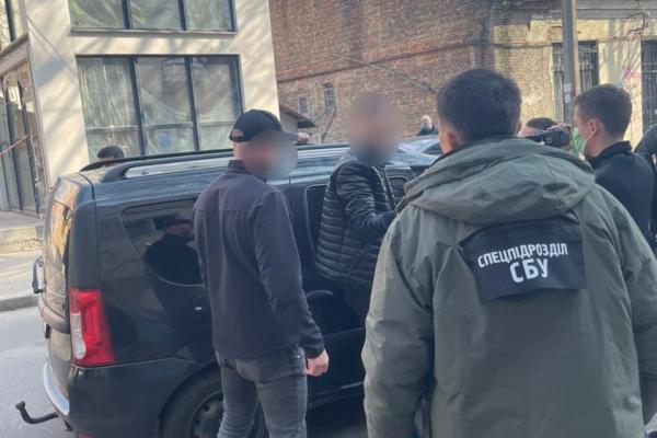 Поліцейських Рівненщини викрито під час одержання неправомірної вигоди