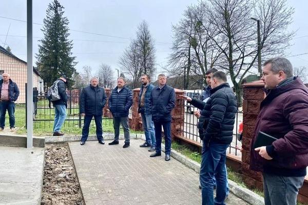 Представники департаменту з питань будівництва та архітектури Рівненської обласної державної адміністрації у Рокитному