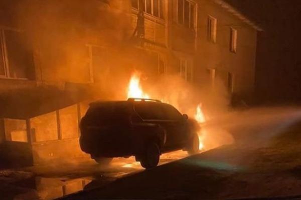 У Володимирці згоріла автівка марки TOYOTA LAND CRUISER