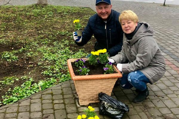 Від Демидівки до Здолбунівщини висадили близько трьох тисяч троянд (ФОТО)