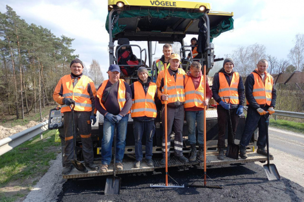 Поблизу Радивилова ремонтують 16 кілометрів державної дороги