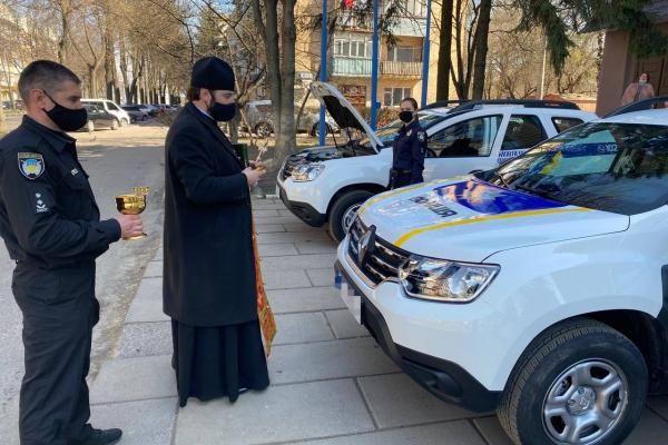 Автопарк рівненських поліцейських охорони поповнився новими автівками