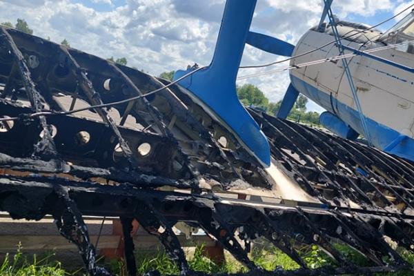 Через підпал на аеродромі в селі Крупа згоріло майно «Авіаклуб Луцьк» (ФОТО)
