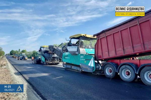 47 км ключової транспортної магістралі розпочали ремонтувати на Рівненщині