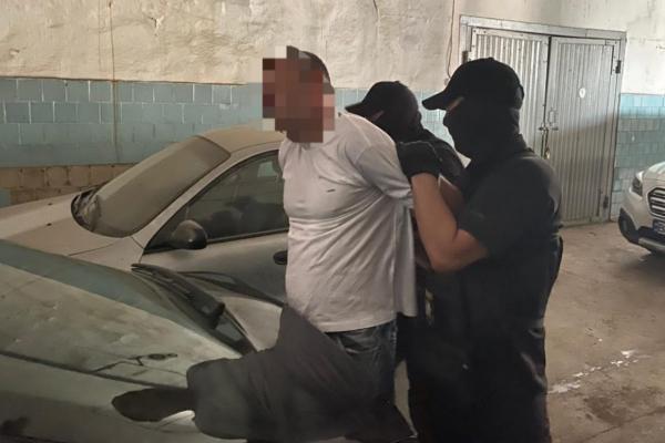 Директора одного з комунальних підприємств Рівного викрили на хабарі за автостоянку