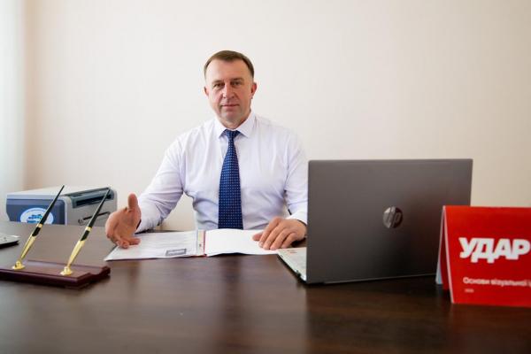 «Підтримати розвиток українського підприємця – це підтримати майбутнє сильної України», – заява партії УДАР