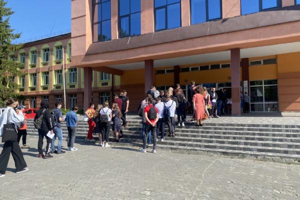 Учні з Рівненщини, які склали ЗНО на 200 балів, отримають грошові премії