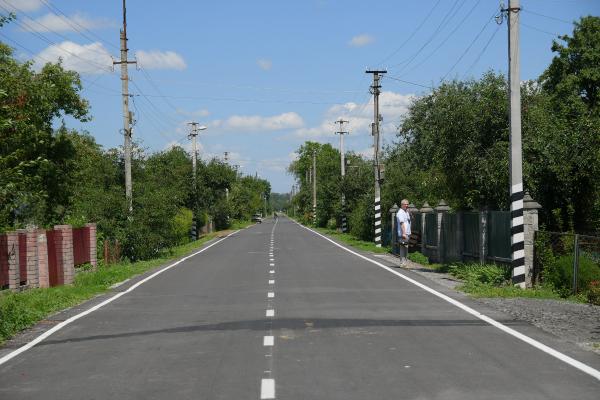 У Рівненській області відремонтували ще один відрізок дороги між селами