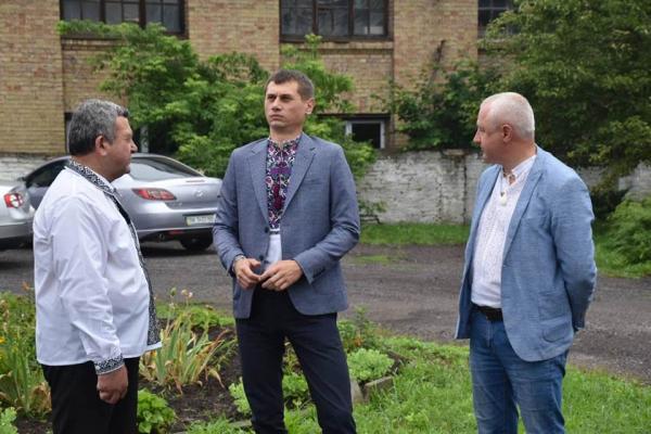 У комунальну власність міста Дубно передають майновий комплекс колишнього Психоневрологічного диспансеру