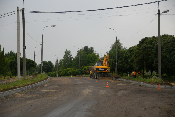 Головну дорогу в Зорі відремонтують до кінця літа