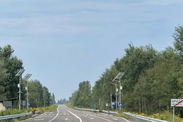 На автошляху Н-25, що з'єднує Рівненщину та Хмельниччину, тривають будівельні роботи