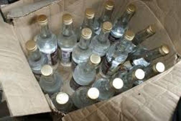 На Рівненщині підприємець хотів продати майже тонну «сурогатного» алкоголю
