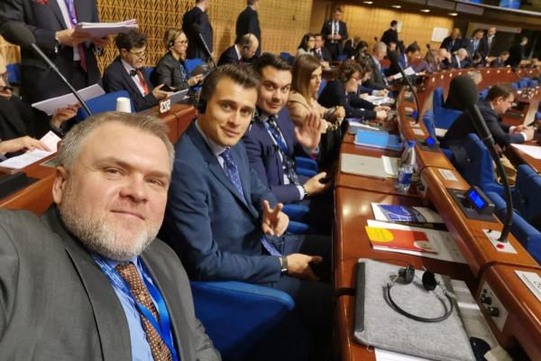 Олександр Ковальчук вийшов ізскладу української делегації вПАРЄ