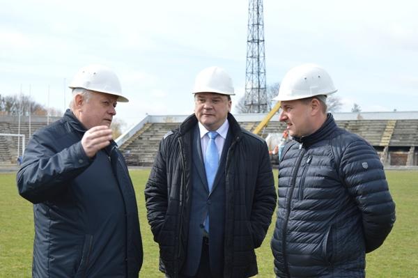 Допоможе рівнянам в реконструкції стадіону «Авангард»  Міністерство молоді та спорту