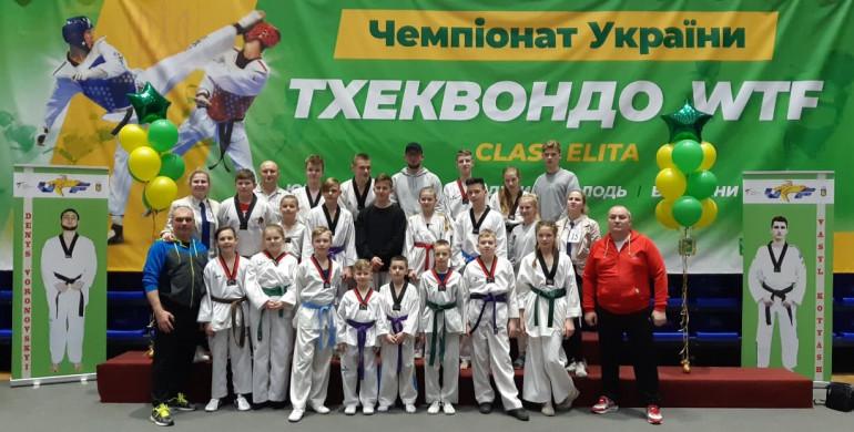 Рівненські тхеквондисти побували на п'єдесталі Чемпіонату України