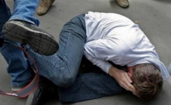 На Демидівщині внаслідок бійки між компаніями молодиків постраждав 18-річний хлопець