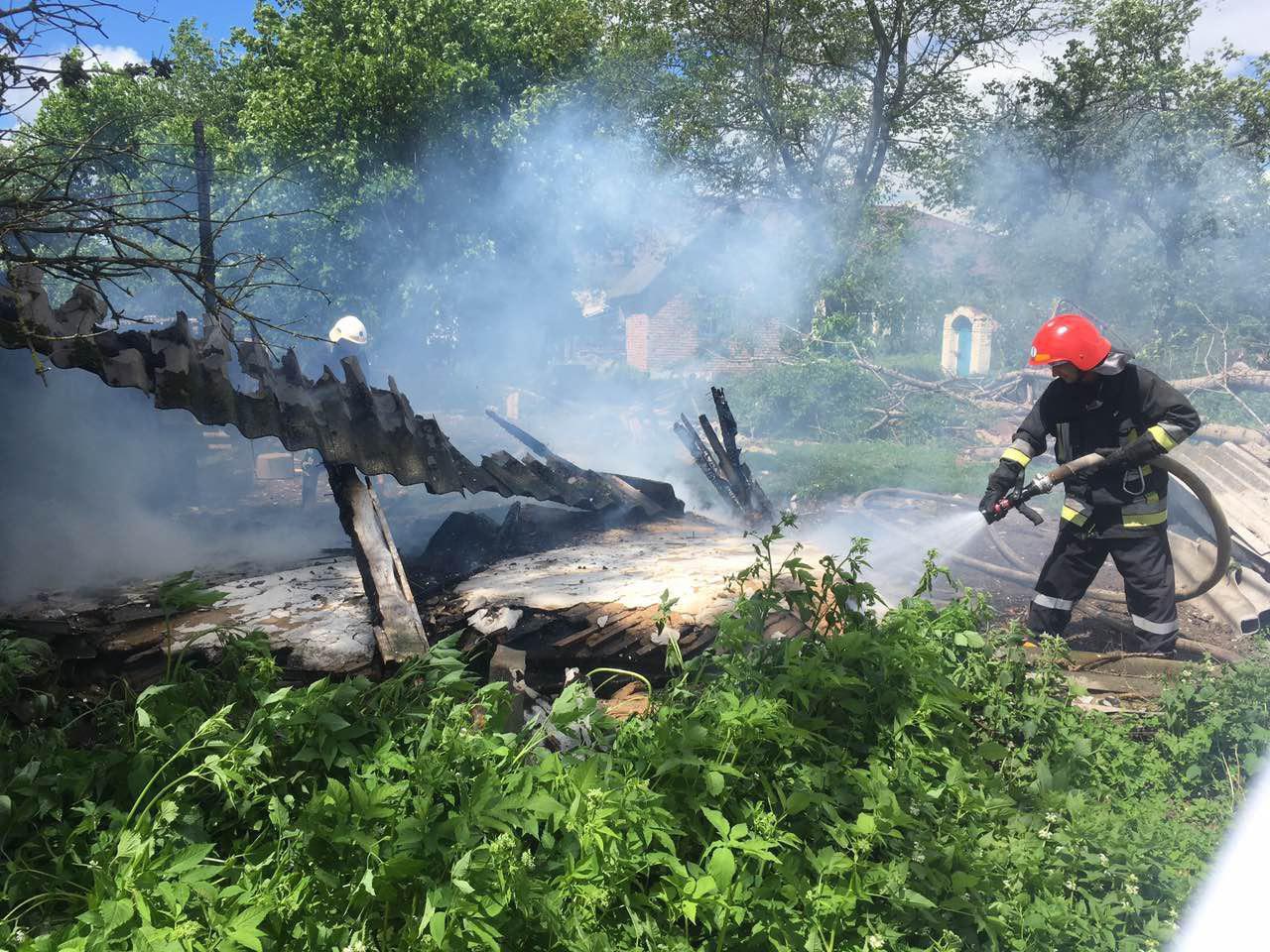 Млинівські вогнеборці врятували житловий будинок