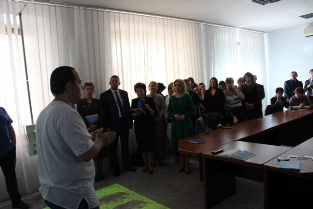 В Рівненській ОДА продемонстрували сучасні технології для інклюзивних центрів