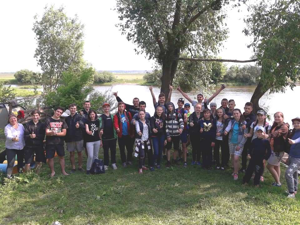 На Рівненщині волонтери організували табір для нечуючих дітей