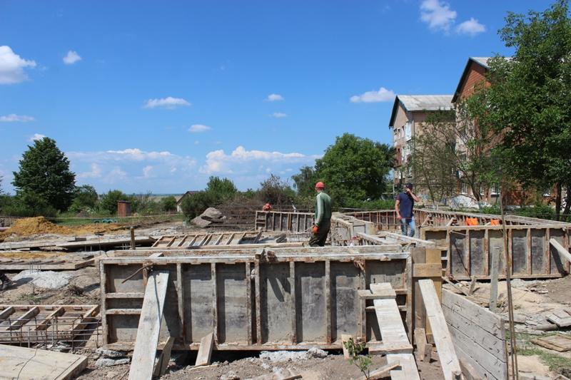 На Рівненщині продовжується будівництво амбулаторій