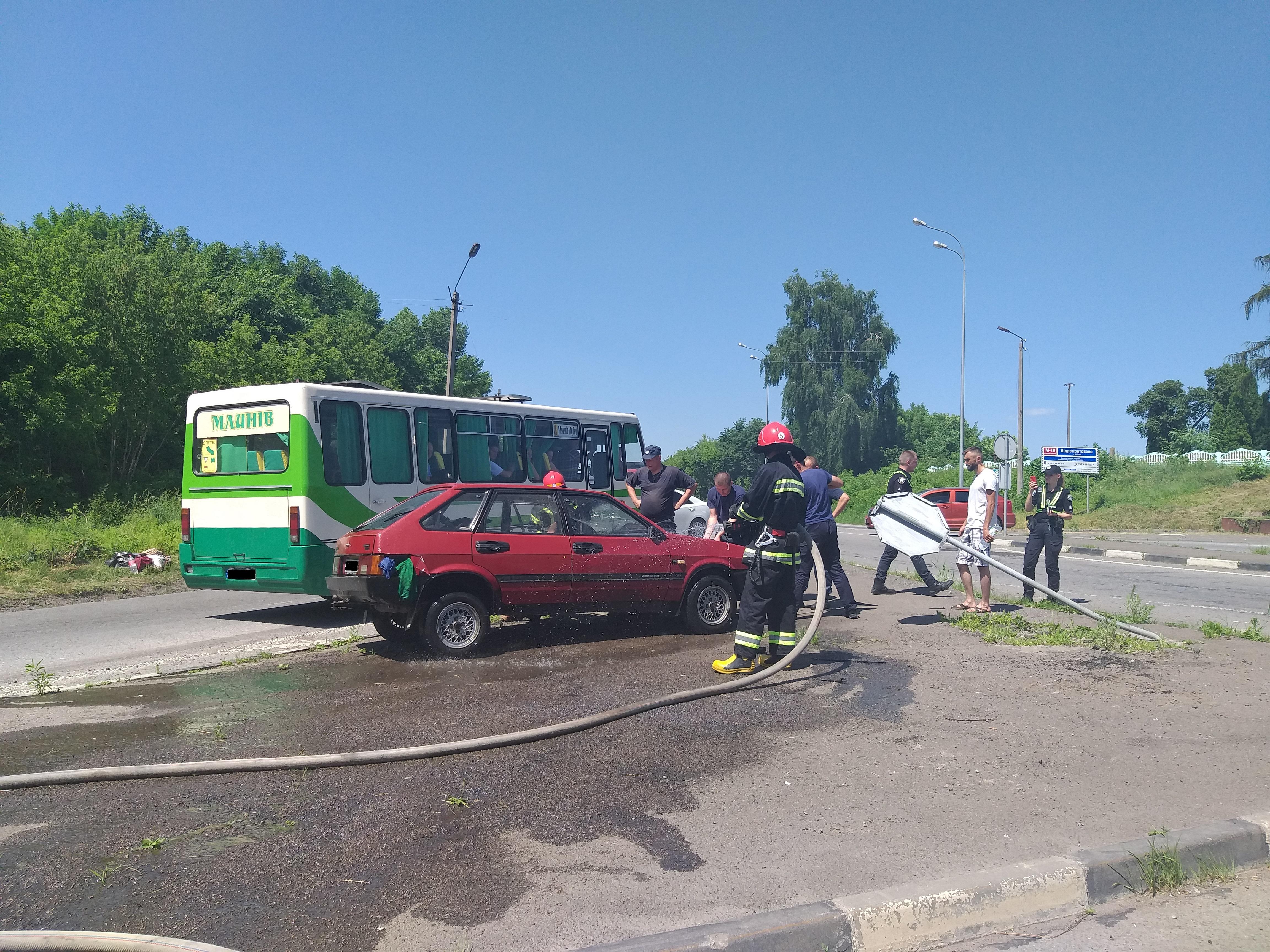 Дубенські рятувальники надавали допомогу після ДТП на трасі Київ-Чоп