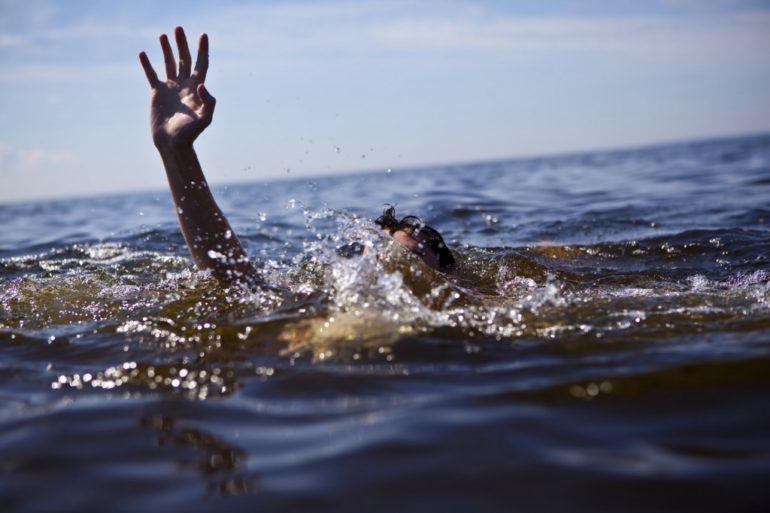 У Млинові чоловік врятував з води студента