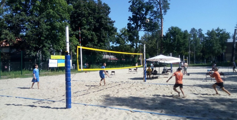 Рівняни прийняли участь у змаганнях з пляжного волейболу U21