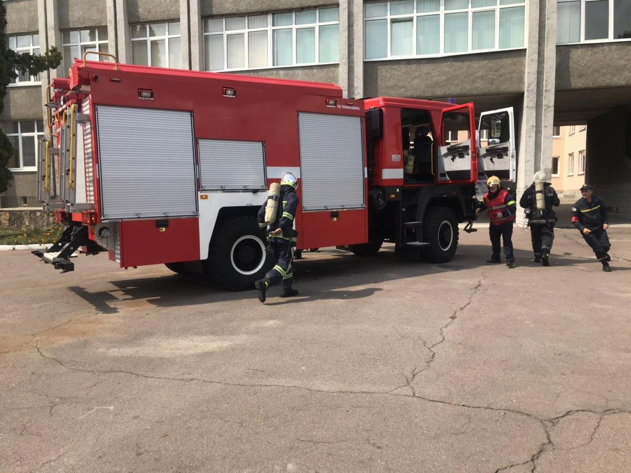 На Острожчині рятувальники провели тактико-спеціальні навчання