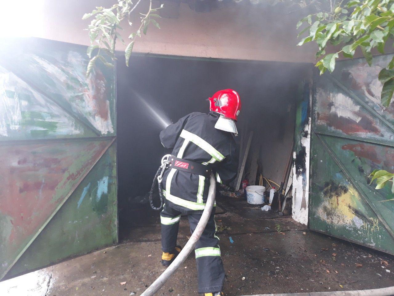 У Рачині вогнеборці ліквідували пожежу