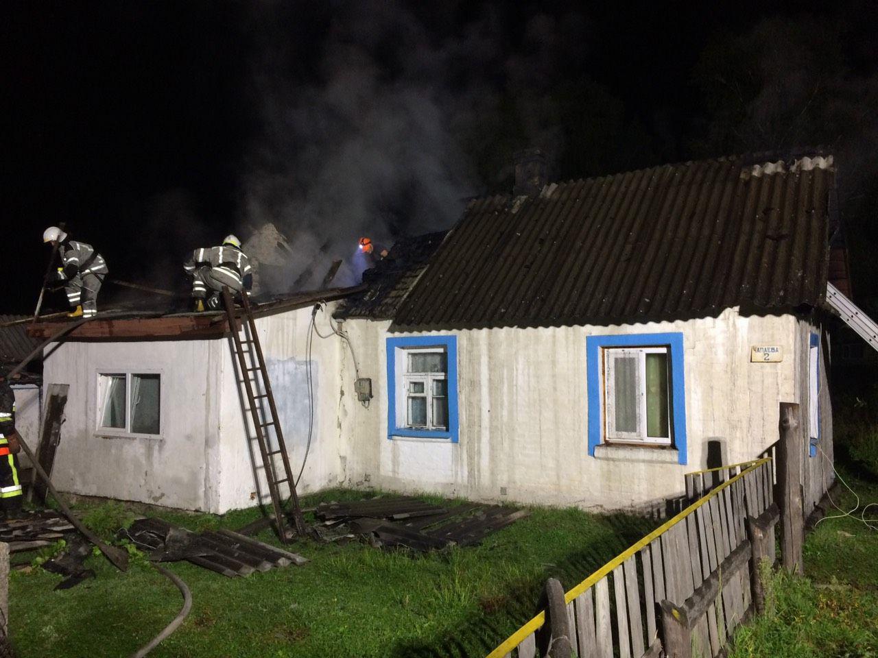 Сарненські вогнеборці врятували житловий будинок від знищення вогнем