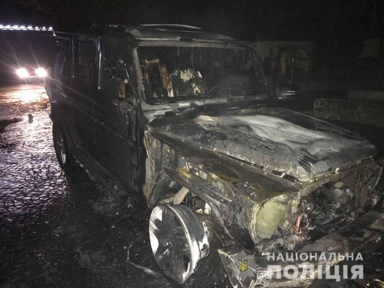 Невідомий підпалив автомобіль одного з рівненських депутів