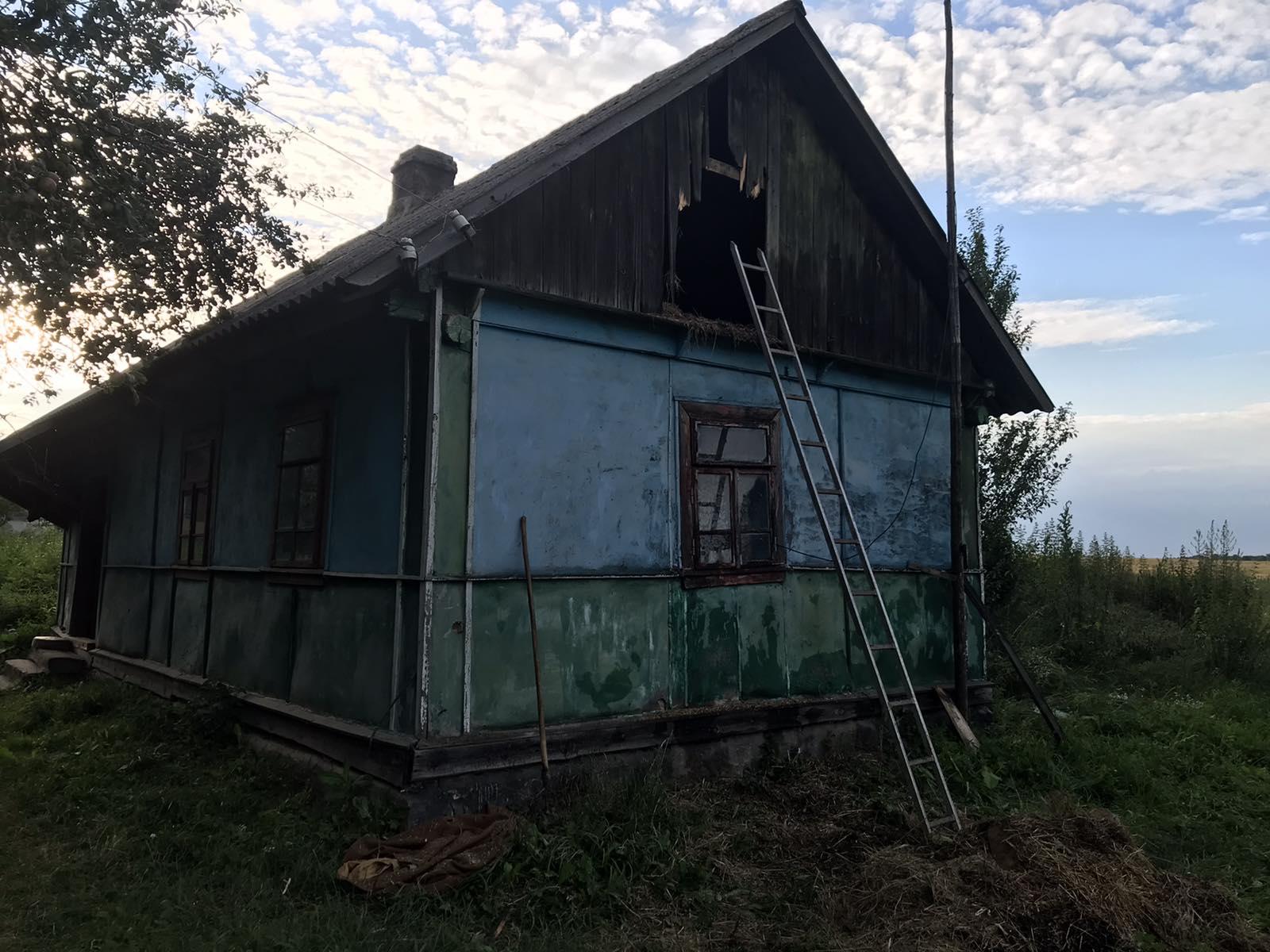 На Дубенщині ледь не згорів будинок