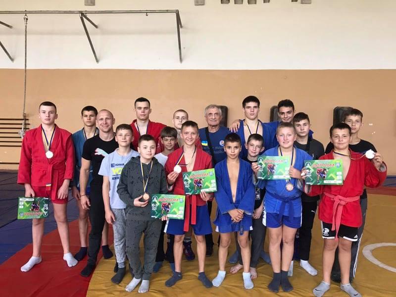 Самбісти з Рівненщини привезли із Всеукраїнського турніру десять медалей