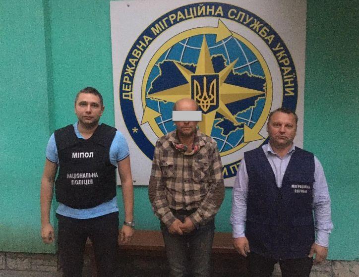 На Млинівщині депортували громадянина РФ