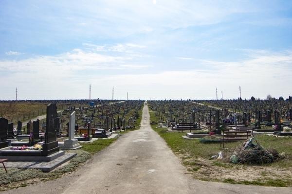 У Рівному працюють над розширенням «Нового» кладовища