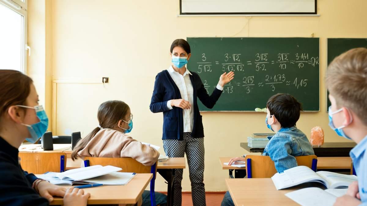 Сьогодні жодна зі шкіл Рівного не працюватиме дистанційно