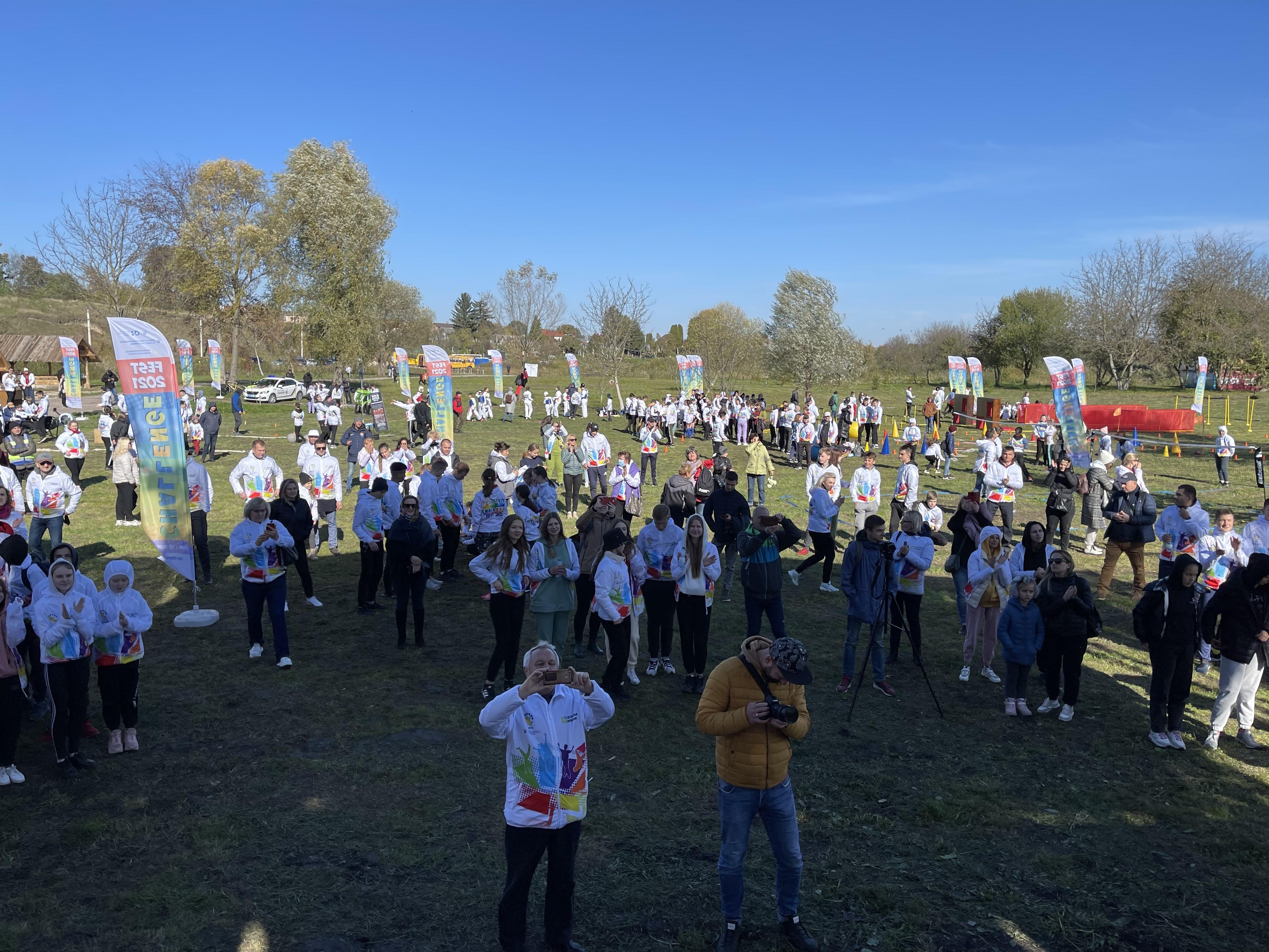 Естафети, козацькі двобої і не тільки: у Рівному відбувся «Challenge Fest»