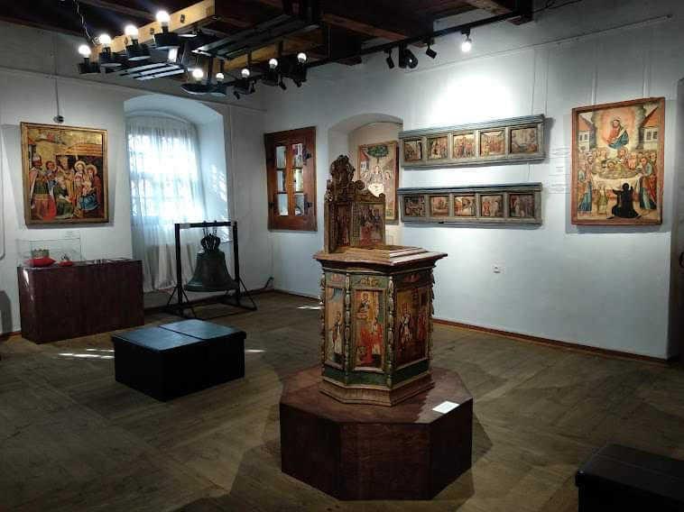 Унікальні ікони з усміхненими святими можна побачити на Рівненщині: де розміщена ця виставка